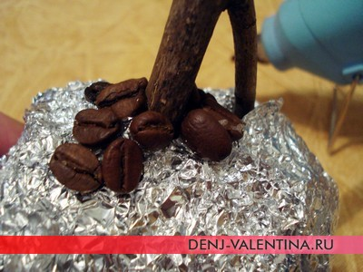 Кофейное дерево своими руками - подарок на День Святого Валентина